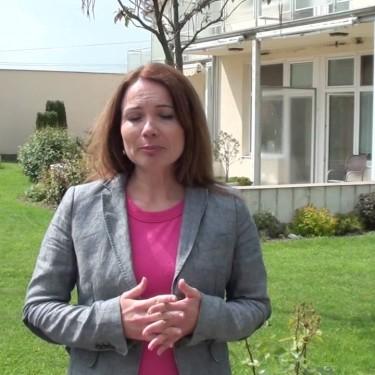 Videopozvánka na oslavu desiateho výročia otvorenia prvého Seniorville